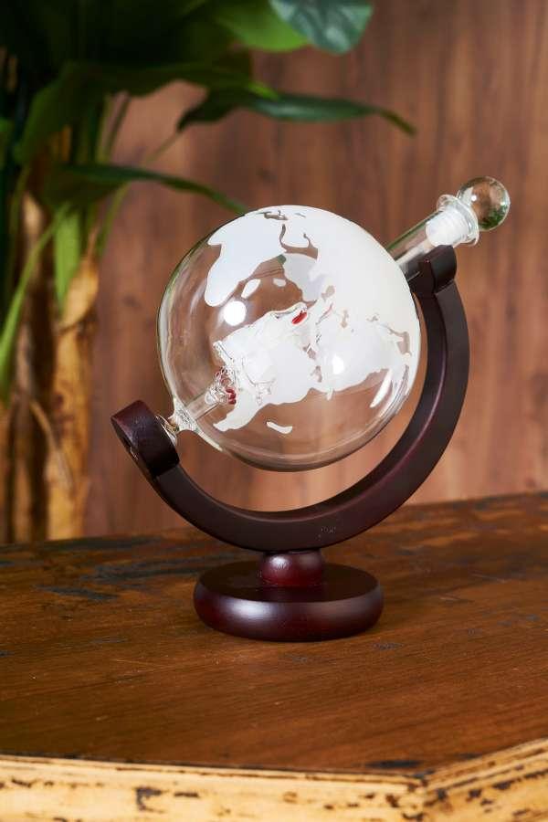 Cam Dünya Şeklinde Şişe İçerisinde Yelkenli