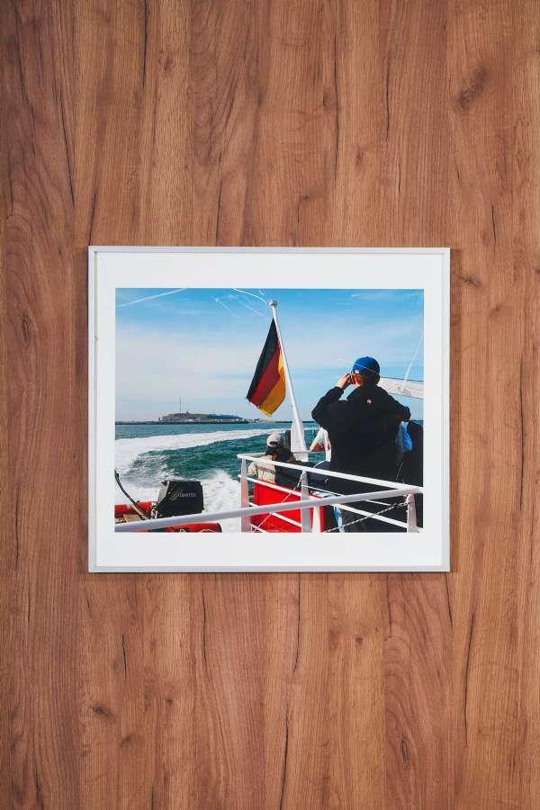 Su Üstünde Alman Bayraklı Gemi Orta Boy Tablo