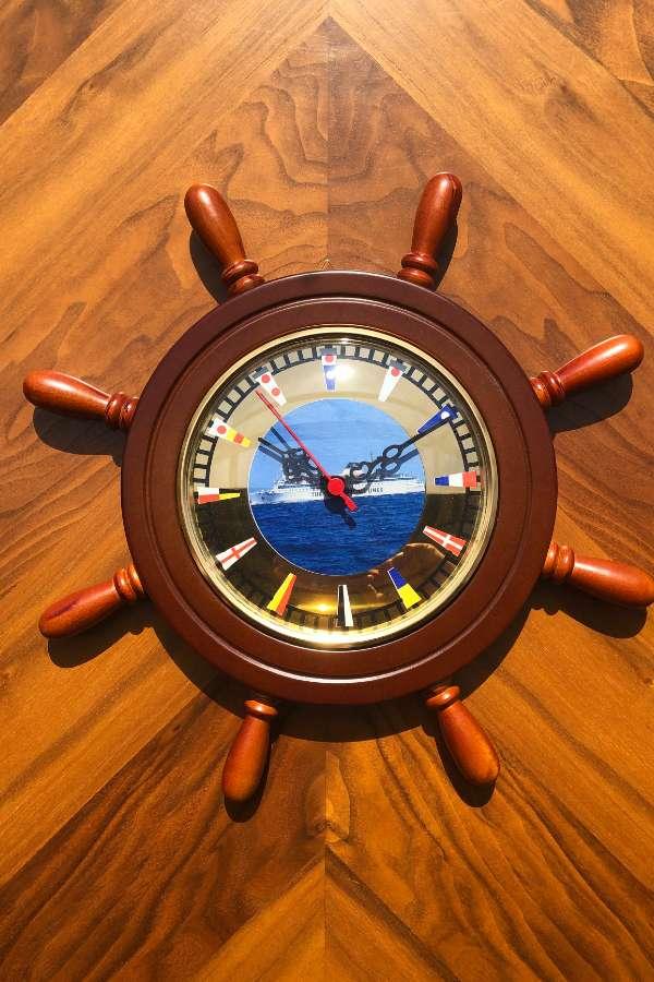 Dümen Duvar Saati Gemi Figürlü