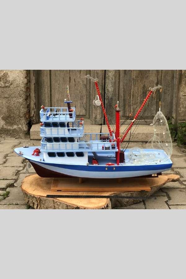 Ölçekli Ahşap Balıkçı Teknesi Maketi